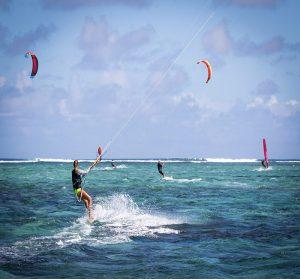 camping morbihan bord de mer : kite-surf