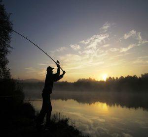camping morbihan bord de mer : pêche au lancé